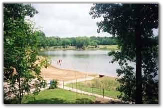 View of the lake at Lakeside Recreational Park